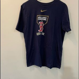 BOSTON RED SOX TEE SHIRT FOR MEN SIZE LARGE.